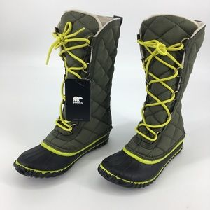 SOREL Womens Out N About Green Snow Boots Size 7
